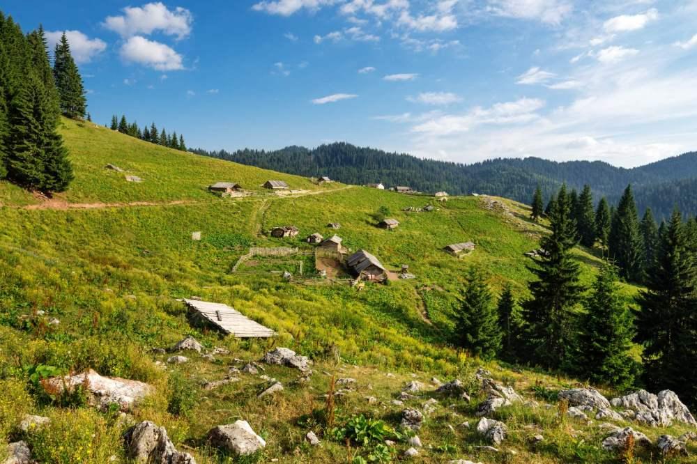 katun road borderline peaks