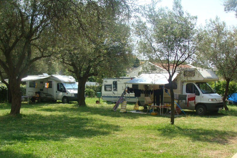 camping oliva, bar, montenegro camping